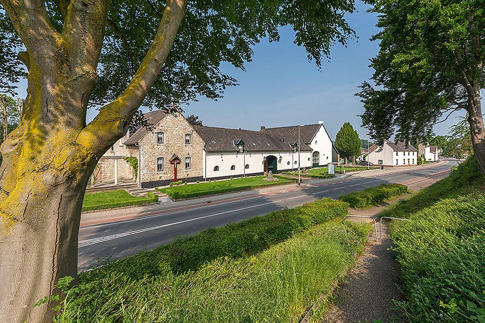 Bekijk foto 3 van Valkenburgerweg 44 C