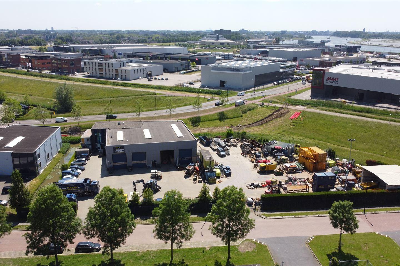 Bekijk foto 2 van Van Hennaertweg 19