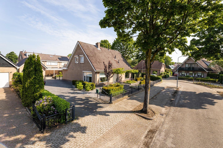 Bekijk foto 2 van Wolweversstraat 14 14a