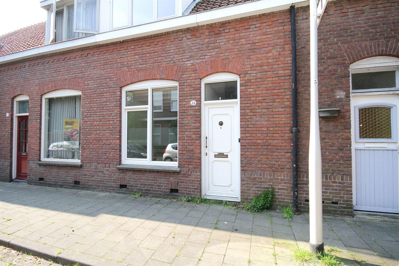 Bekijk foto 3 van Van Maerlantstraat 28
