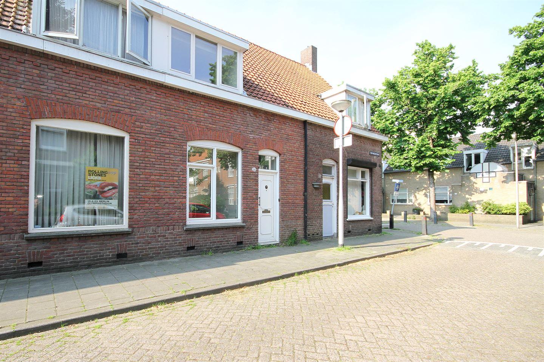 Bekijk foto 2 van Van Maerlantstraat 28