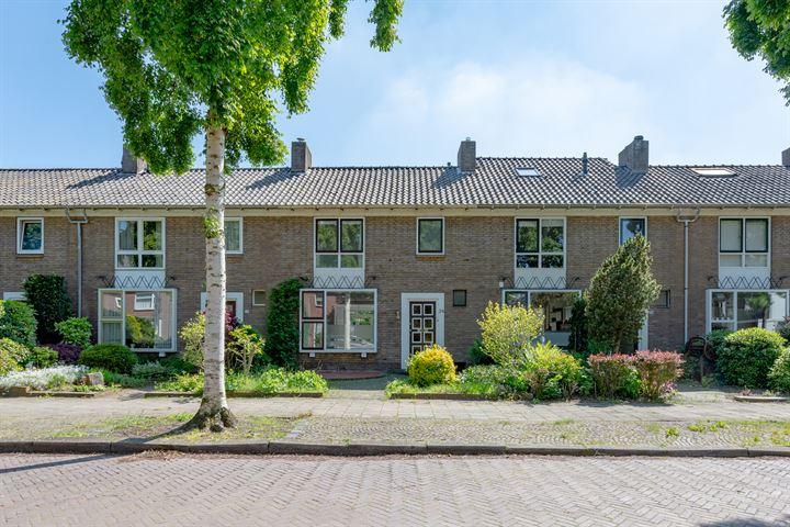 Scharfstraat 24
