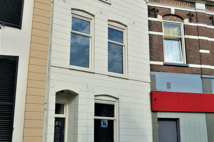 Van Karnebeekstraat 4