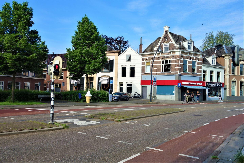 Bekijk foto 2 van Van Karnebeekstraat 4