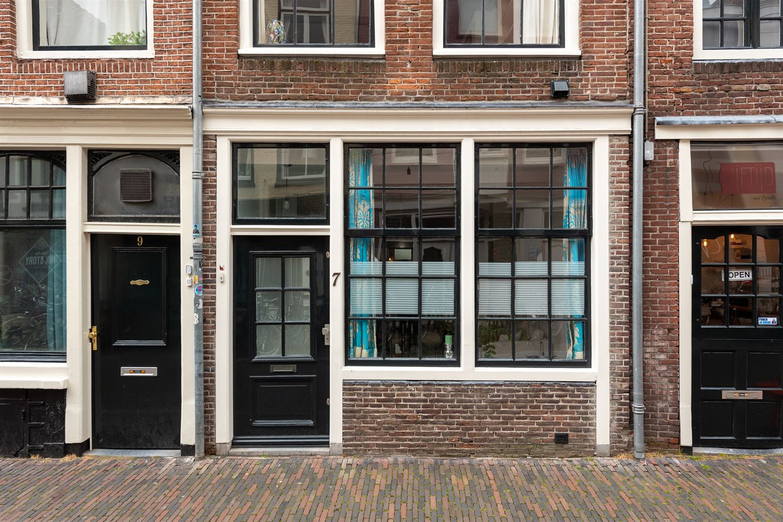 View photo 2 of Predikherenstraat 7
