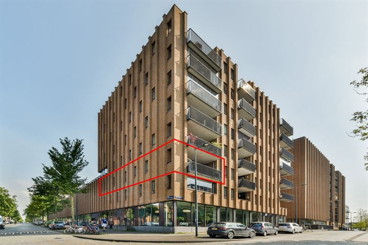 Pieter Oosterhuisstraat 10