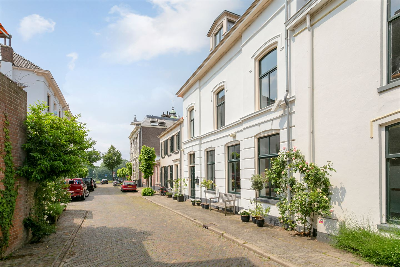 Bekijk foto 2 van Lindenstraat 12