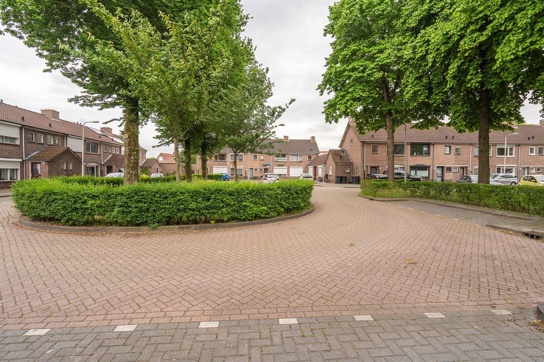 Bekijk foto 2 van Beatrixhof 9