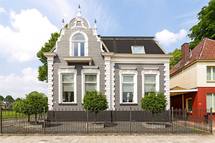 Hoofdstraat 111