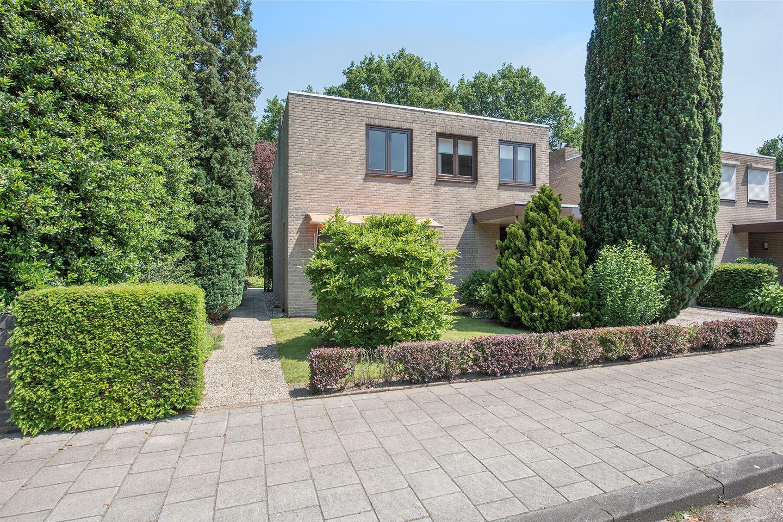 Bekijk foto 2 van Professor Oudstraat 2
