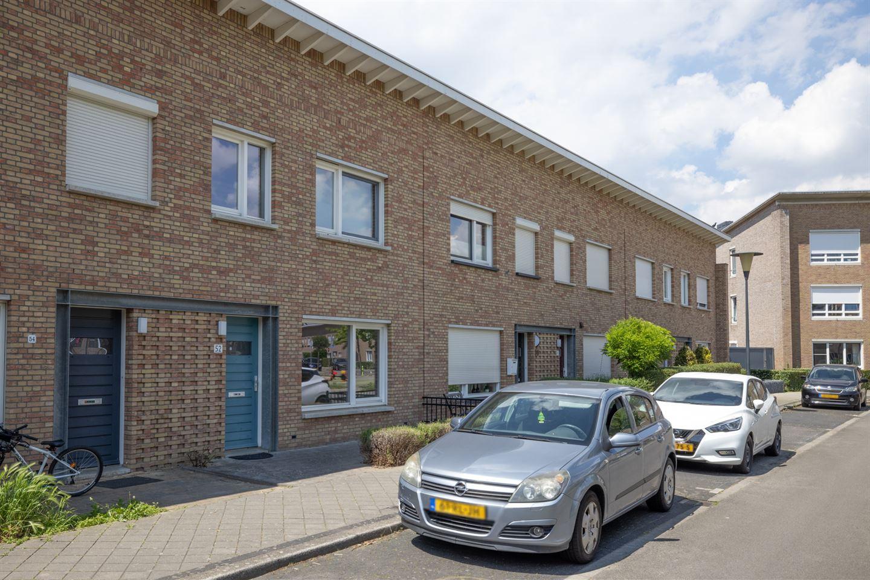 Bekijk foto 2 van Aalmoezenier Verheggenplein 52