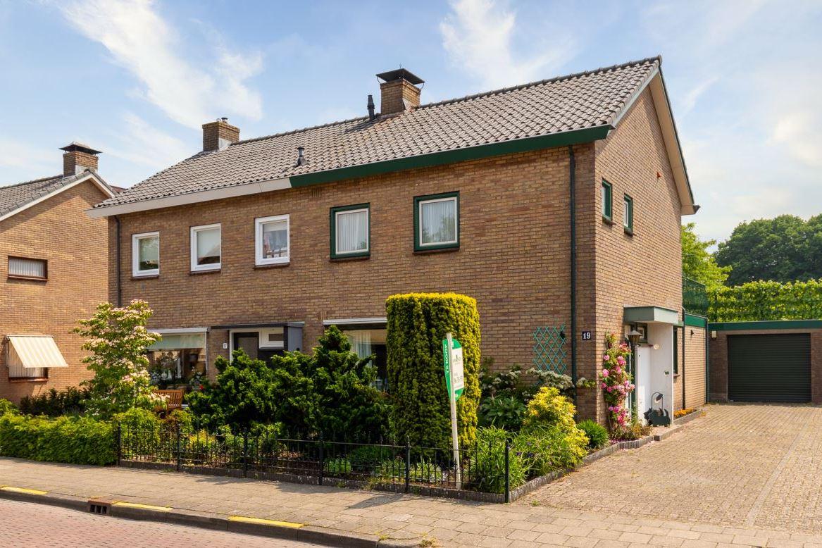 View photo 1 of Klaas Bosstraat 19