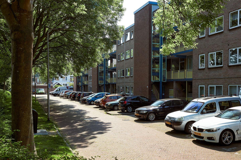 Bekijk foto 2 van Frederik Hendrikstraat 150