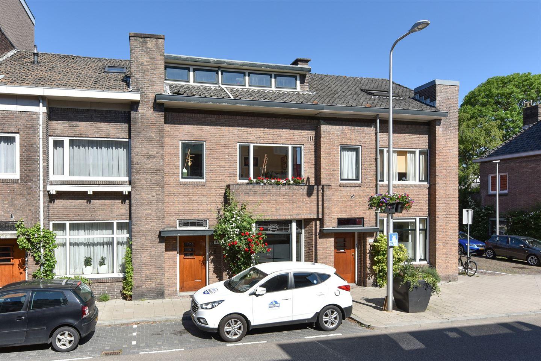 View photo 1 of Jan van Scorelstraat 147