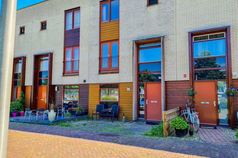 Bekijk foto 2 van Verhulststraat 18
