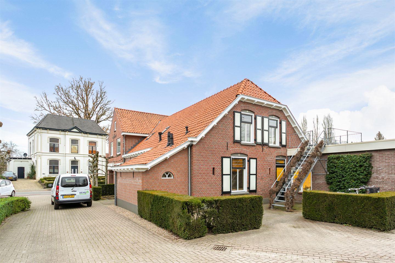 Bekijk foto 4 van Bredevoortsestraatweg 42 ,44,44a