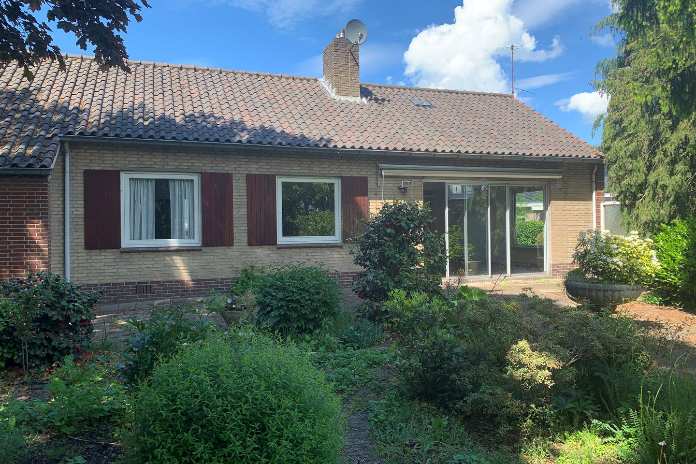View photo 2 of Papaverweg 75