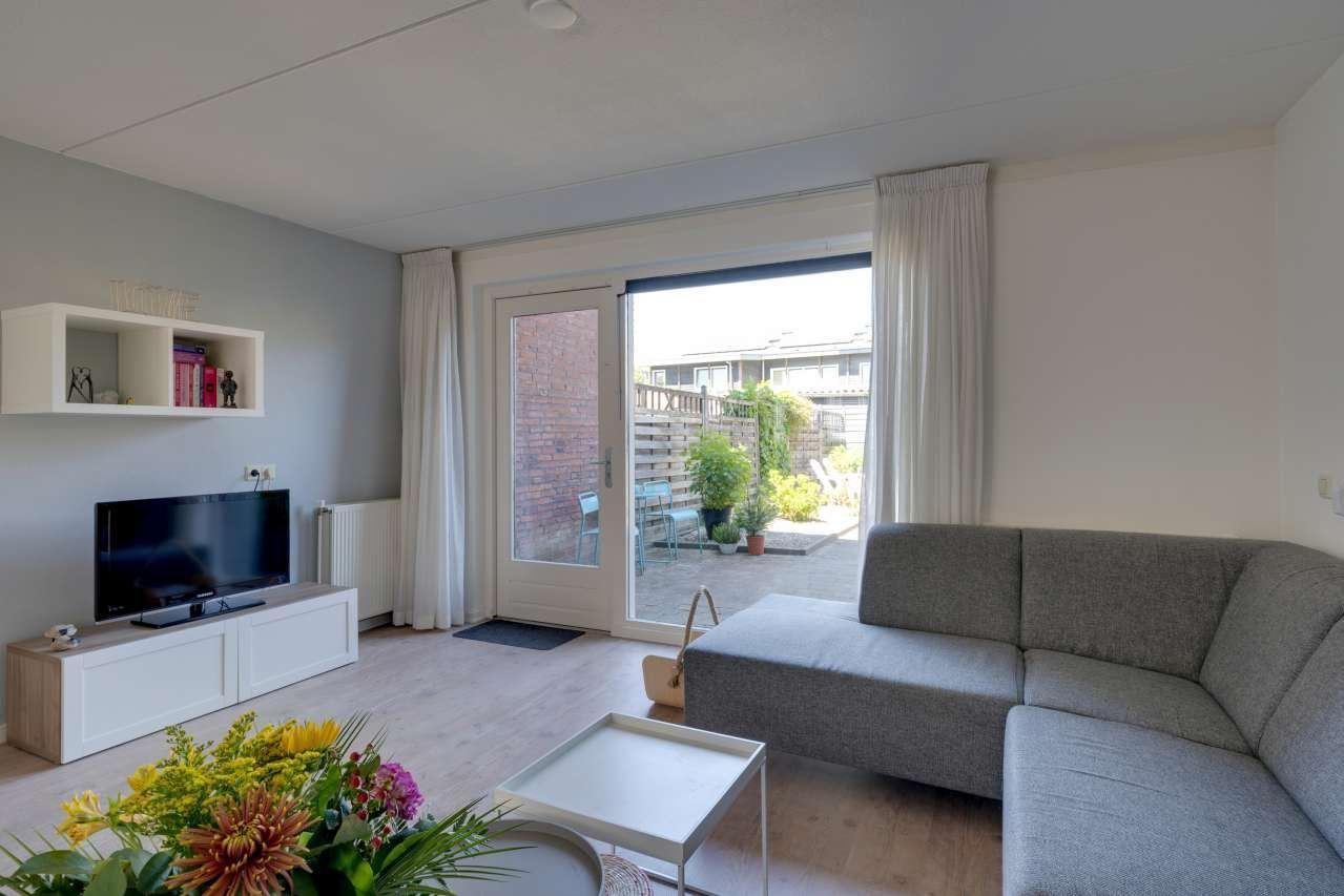 Bekijk foto 3 van Louis Couperusstraat 155