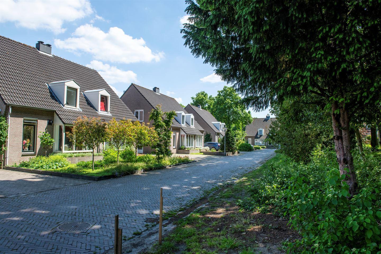 Bekijk foto 3 van Iman van den Boschlaan 22