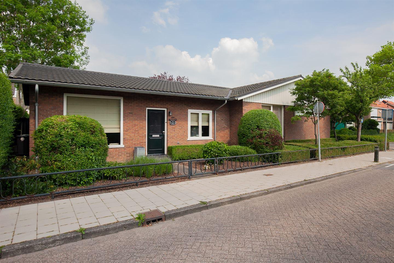 View photo 1 of Julianastraat 23