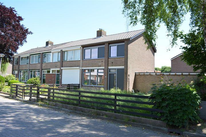D H van der Scheerstraat 12