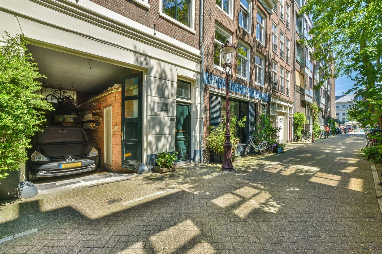 View photo 2 of Utrechtsedwarsstraat 147