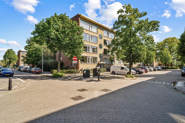 View photo 1 of Willem de Mérodestraat 38