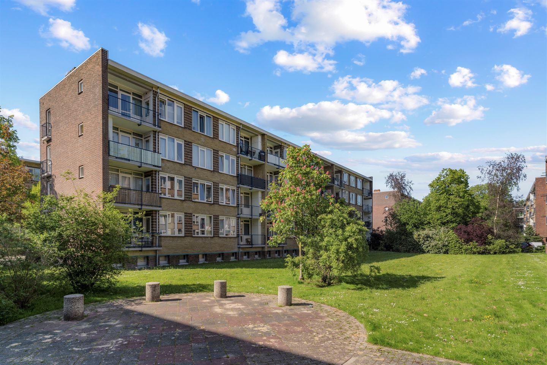 View photo 2 of Willem de Mérodestraat 38