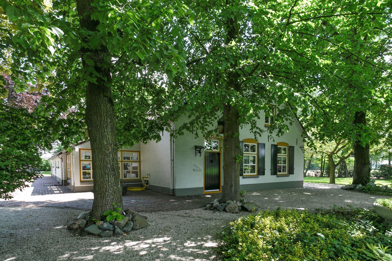 View photo 3 of Buntweg 1