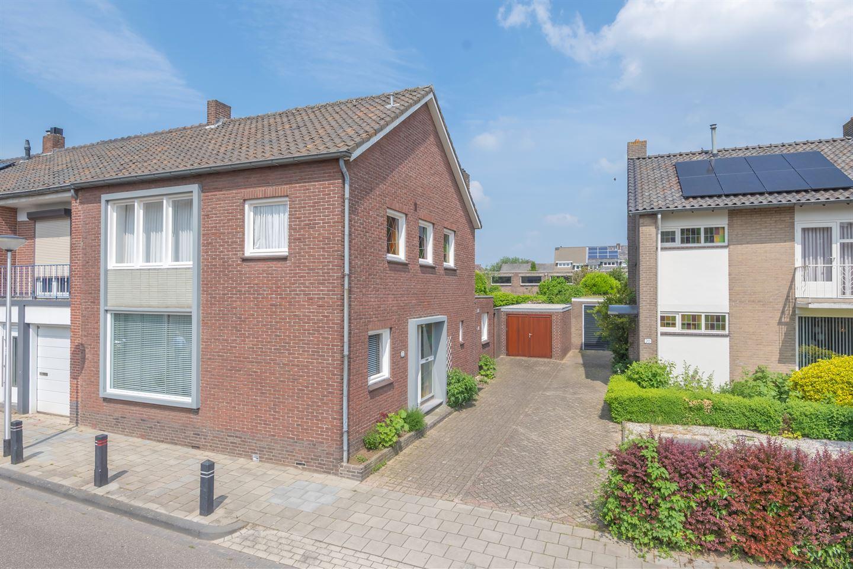 Bekijk foto 1 van Van de Weijerstraat 22