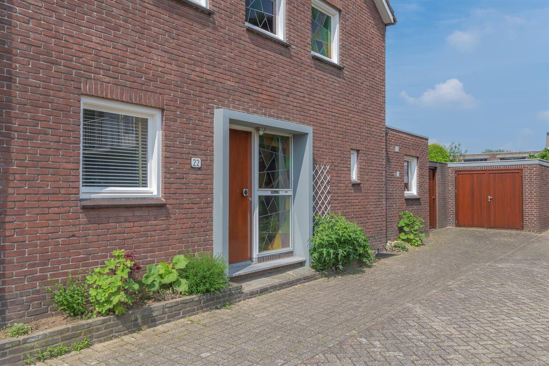 Bekijk foto 2 van Van de Weijerstraat 22