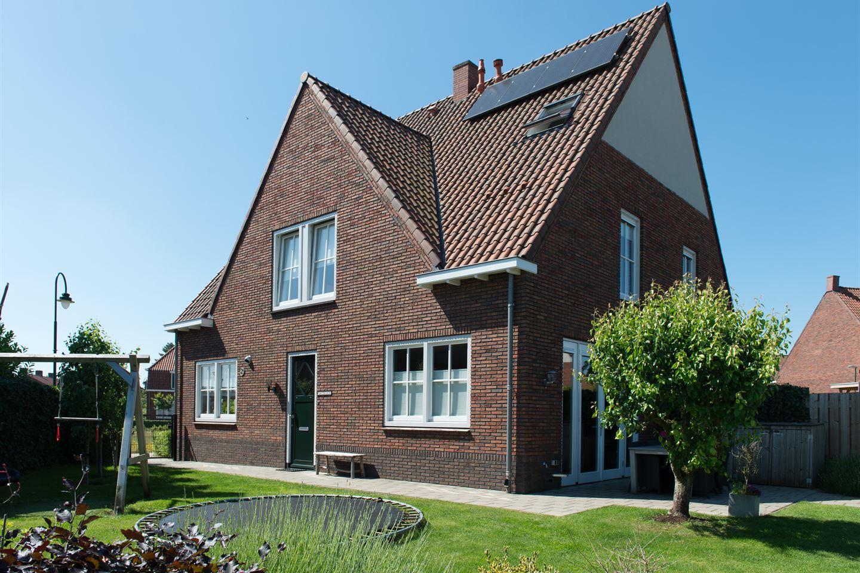View photo 2 of Vreewijkstraat 23