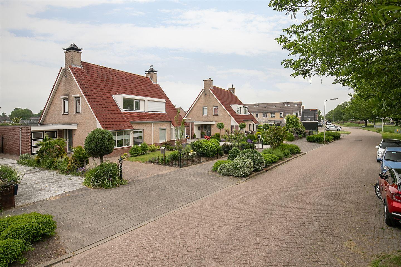 Bekijk foto 3 van Burg. Korstanjestraat 51