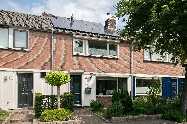 Bekijk foto 1 van J. P. Heijestraat 35