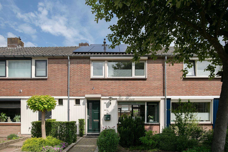 Bekijk foto 2 van J. P. Heijestraat 35