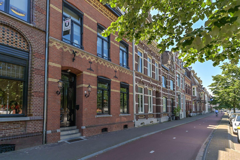 Bekijk foto 1 van Burgemeester van Rijnsingel 19