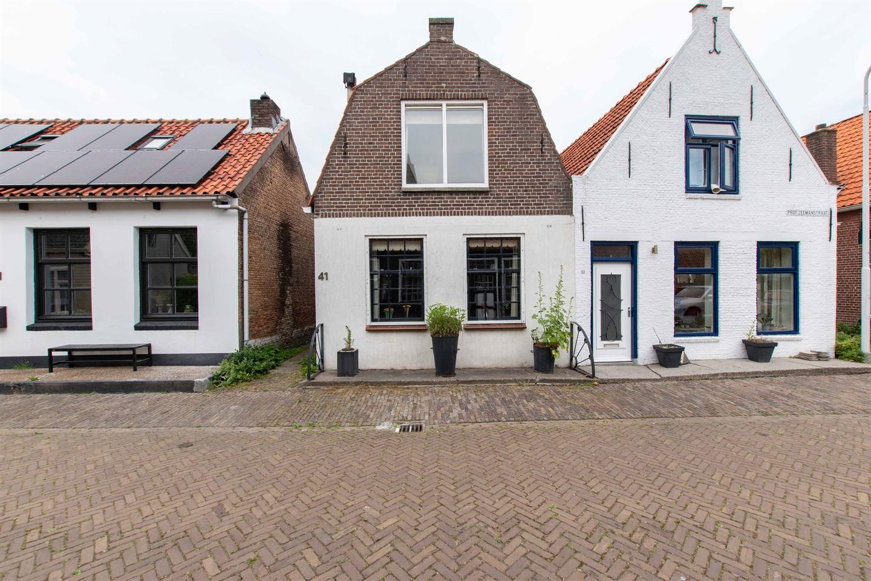Bekijk foto 2 van Prof. Zeemanstraat 41