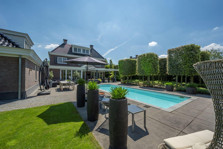 View photo 2 of Jacob van Ettenstraat 4