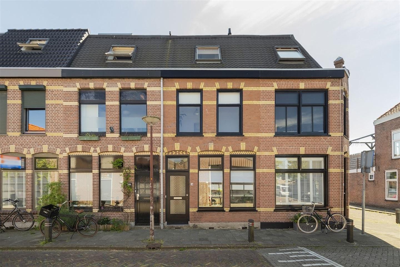 Bekijk foto 1 van Van der Woudestraat 41