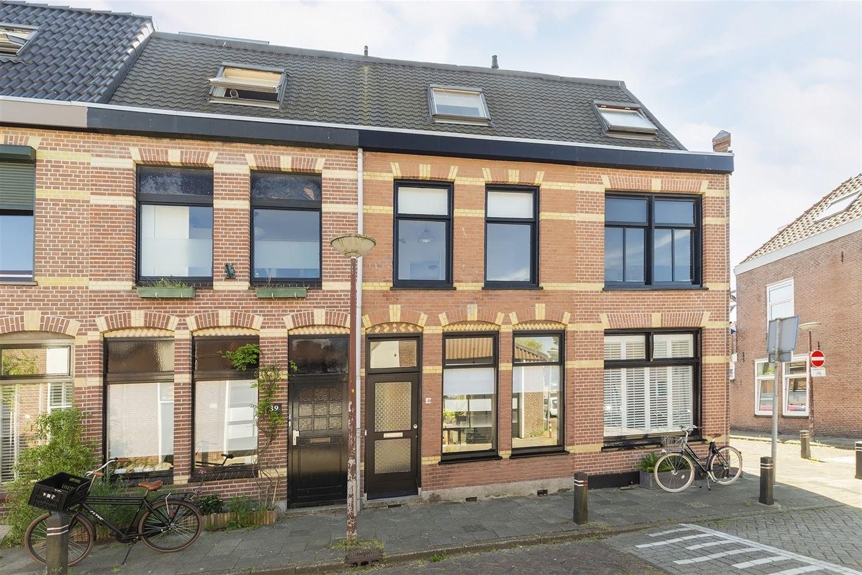Bekijk foto 4 van Van der Woudestraat 41