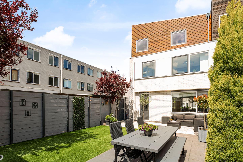 Bekijk foto 3 van Van der Vlugtstraat 1