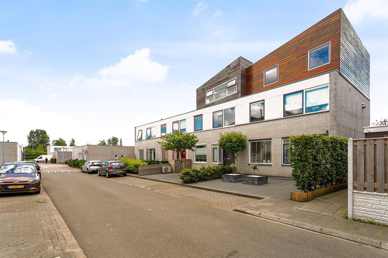 Bekijk foto 4 van Van der Vlugtstraat 1