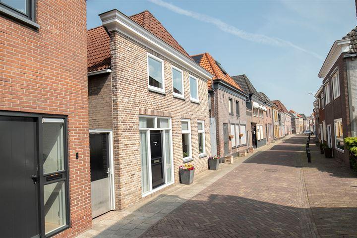Langestraat 228 *