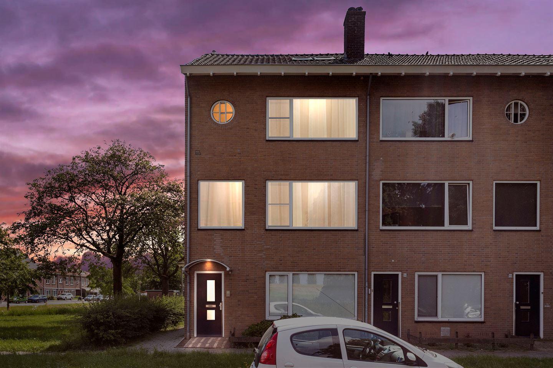 Bekijk foto 1 van Veerpolderstraat 96