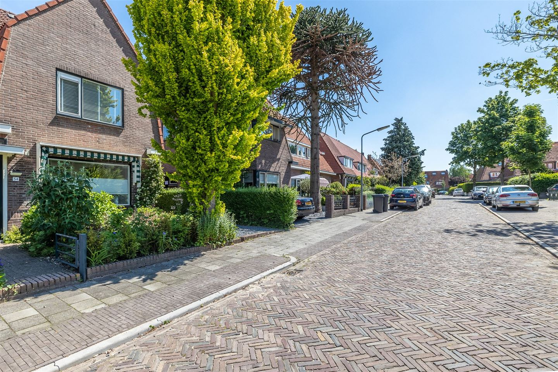 Bekijk foto 3 van Hugo de Grootstraat 54