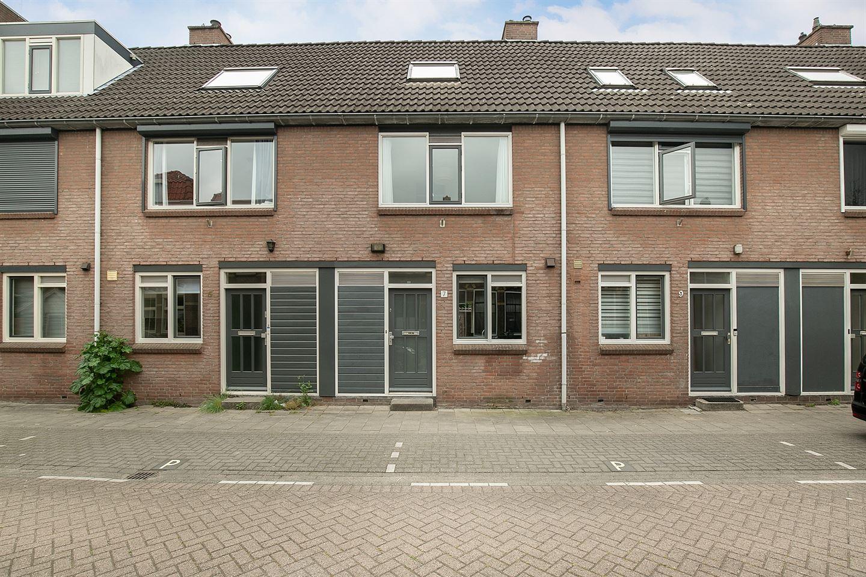Bekijk foto 1 van Graaf van Bloisstraat 7