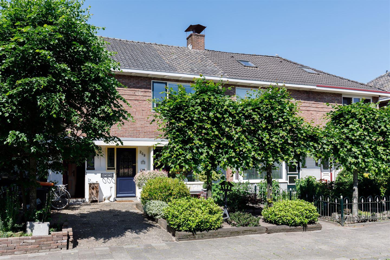 Bekijk foto 1 van Burgemeester Van Veenlaan 268