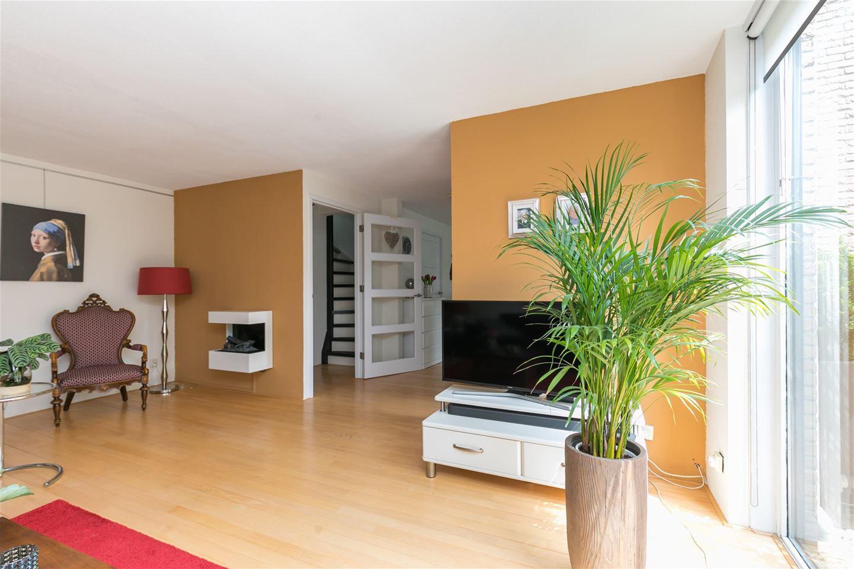 Bekijk foto 2 van Jan van Eyckstraat 63