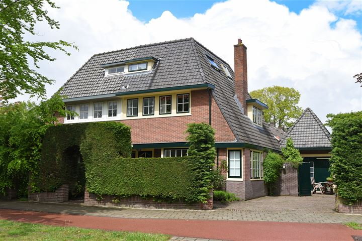 Naarderstraat 58