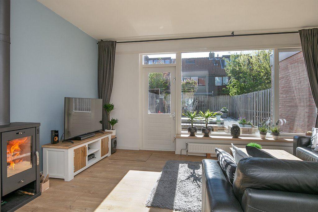 View photo 3 of Bernhardstraat 23